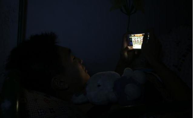 睡前常做2件事,能把肝活生生弄报废,超多人都在做