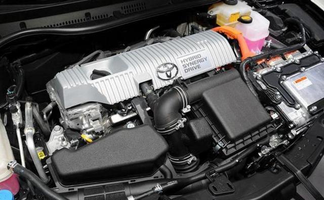 丰田出全新卡罗拉7座旅行版,外观帅到炸,车内能当床,仅12万起
