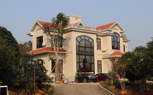 农村别墅实拍_实拍农村别墅新鲜出炉, 为什么农村的房子越盖越漂亮了?