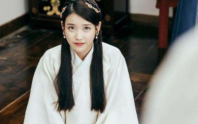 韩国再次翻拍我国经典古装剧,网友看到宋慧乔造型后