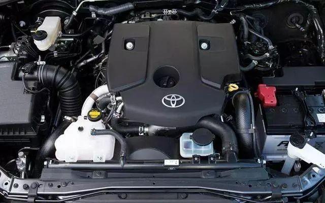丰田又一款硬汉在低调中爆发,仅24万标配四驱,比普拉多更霸道!