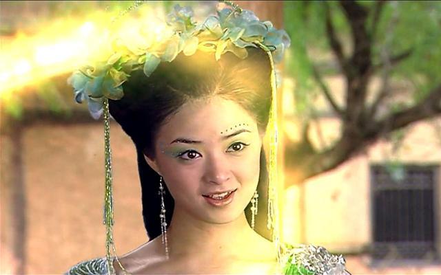 不过在在电视剧《聊斋志异之小翠》中,她饰演的蛇精就有点华妃的感觉比较色的国产剧图片
