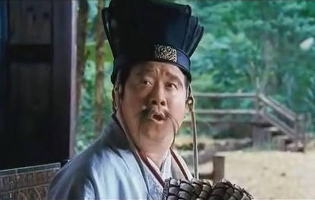 林峰在港剧《回到三国》中饰演的诸葛亮,却演出了一个儿女情长版本的