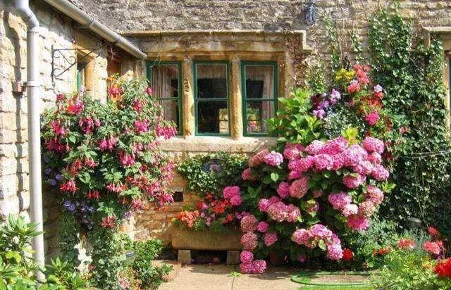 这些桃源梦境别墅,来源于我们的砖木!庭院别墅结构图片
