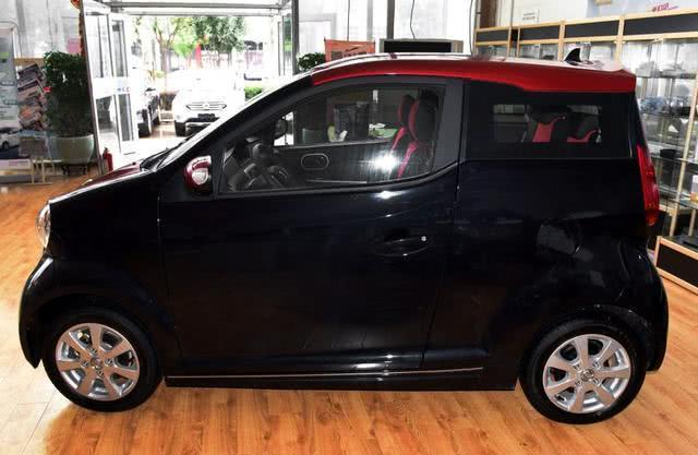 东风开始飘!这车比QQ还小,内饰简陋过面包车,售价却高达16万