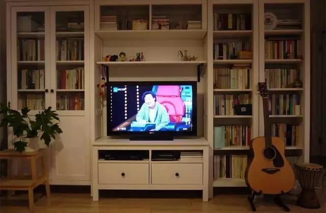 2018年流行什么电视墙新款 2018最具收纳价值的电视背景墙图片大全图片