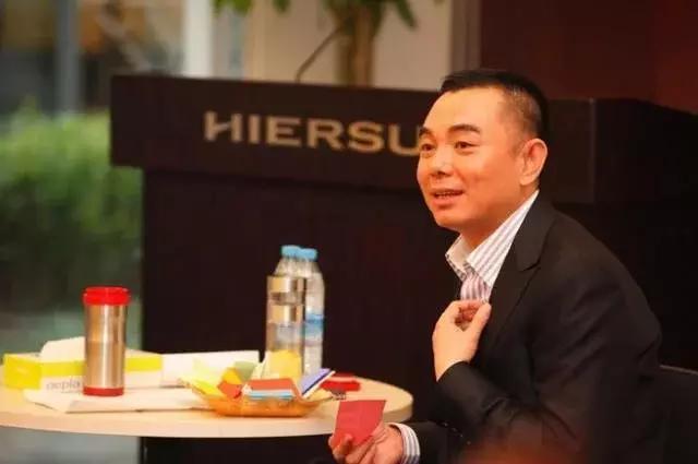 李厚霖东山再起_破产时李湘弃他而去, 如今东山再起首谈李湘, 说出15个字