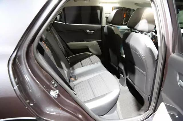 起亚再推全新SUV,比Kona好看,配置增加动力提升,卖8万