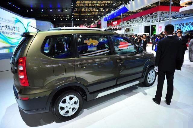 仅售6万,国产再爆小型SUV,颜值爆表,令五菱宏光头疼不已!