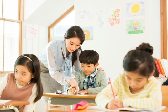 现在才知道,这就是老师需要家长批改作业的原因,看老师怎么说