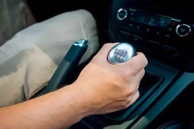手动挡如何把握换挡时机?两分钟教你换挡技巧