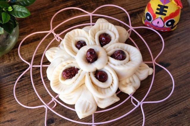 花样枣馒头_春节蒸花馍,这份传统的花式枣山馒头不能少,做法简单快来看!