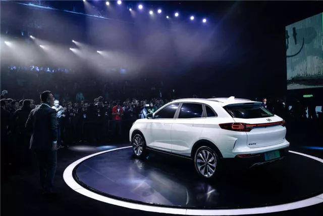 叫板特斯拉,品质比肩奔驰,18年这10款新能源车最值得期待快来看