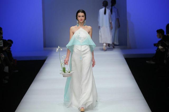 中国风在时尚圈,中式服装呈现出另一种风貌