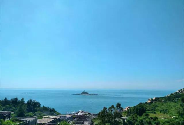 东山岛环岛路苏峰山段自开通以来,深受东山人和游客的喜爱,纷纷来