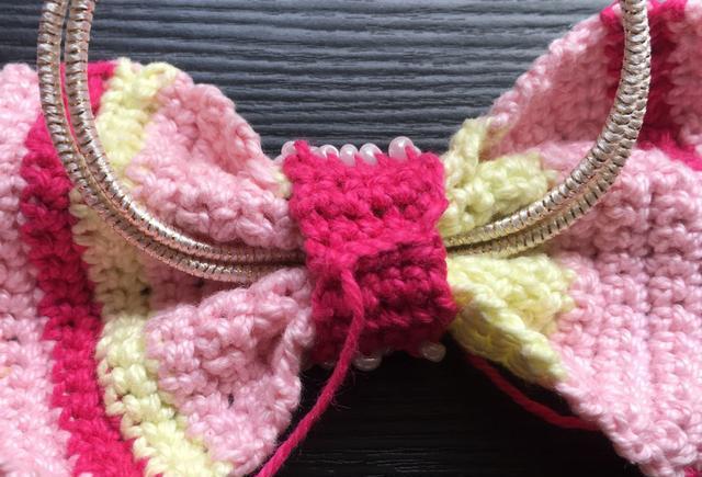 钩针编织:蝴蝶结头花