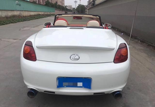 这车14.8W拥有 08款雷克萨斯SC430 美版 白色白红内 硬顶敞篷跑车