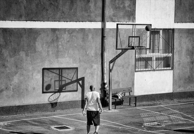 聊聊适合后卫和前锋穿的篮球鞋,你们会推荐什