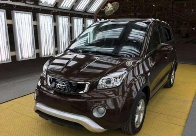 李嘉诚出资50亿进军汽车市场,首款车型就获得人们一致好评