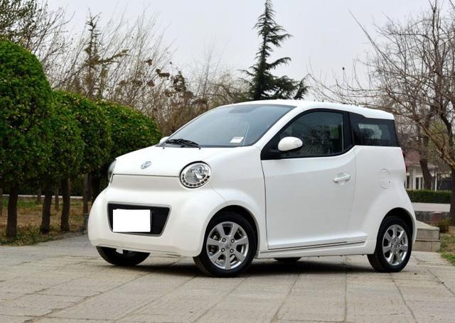 最自负国产车,不足3米长,内饰比面包车还简陋,售价却高达16万