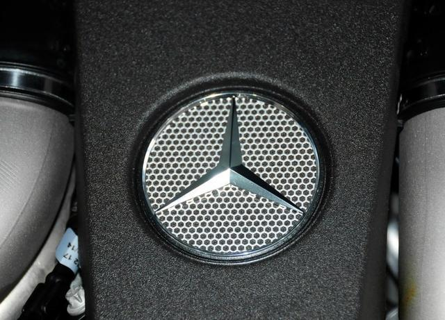 始于品牌,陷于颜值,忠于驾驶?