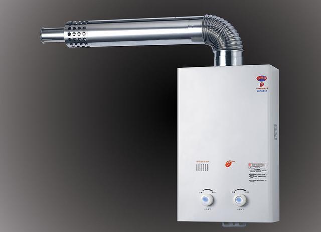 燃气热水器烟管的正确安装方法,很多人都卡死在选材这图片