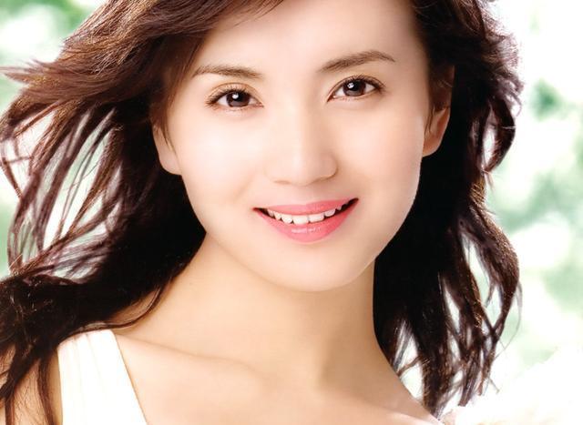 四川美女明星_笑容最甜美的10大女明星