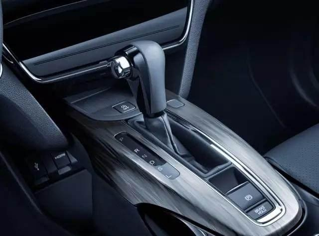 自动挡汽车油耗高? 不妨试试这些小窍门, 油耗降低30%是有可能的