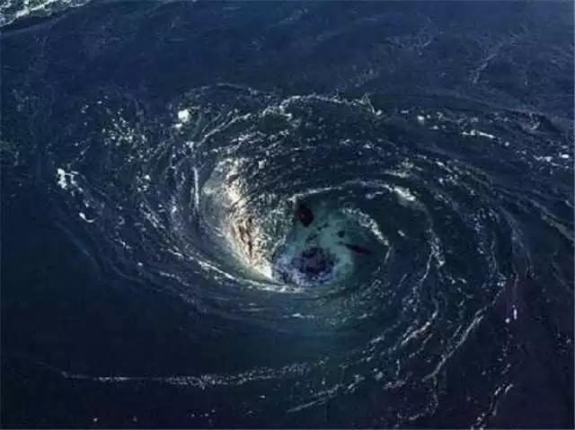 女人的无底洞_希腊无底洞,每天吞掉三万吨海水,水哪去了?