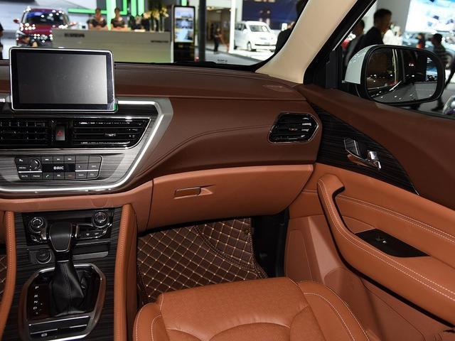 广州车展最狠SUV,高配高质真七座幻速S7上市 比预售价低8000元
