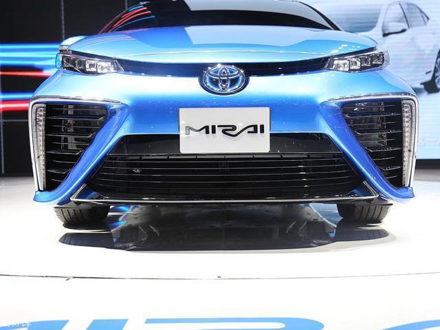 丰田推出氢燃料汽车, 加氢和加油一样便捷, 0污染续航无忧!