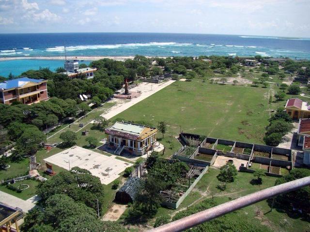 越南在南海疯狂填海48座岛礁:我国仅8座岛礁 美国人