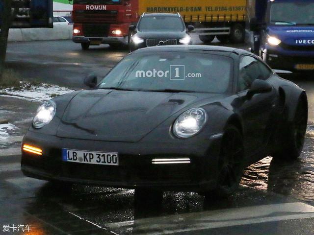 保时捷全新911 Turbo车型的路试谍照曝光;