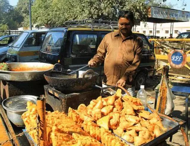 印度街头小吃大盘点,网友评价只想回国