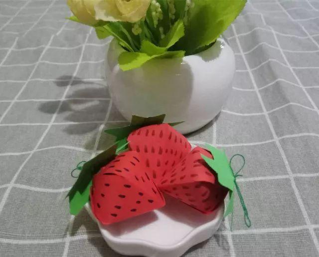 「手工」造型可爱,制作简单的纸做草莓