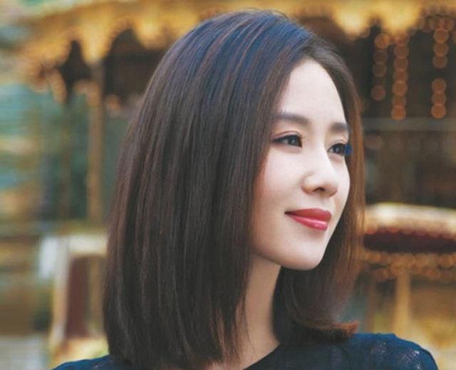 四五十岁的女性别乱剪头发,今年流行这十款发型,立马年轻10岁