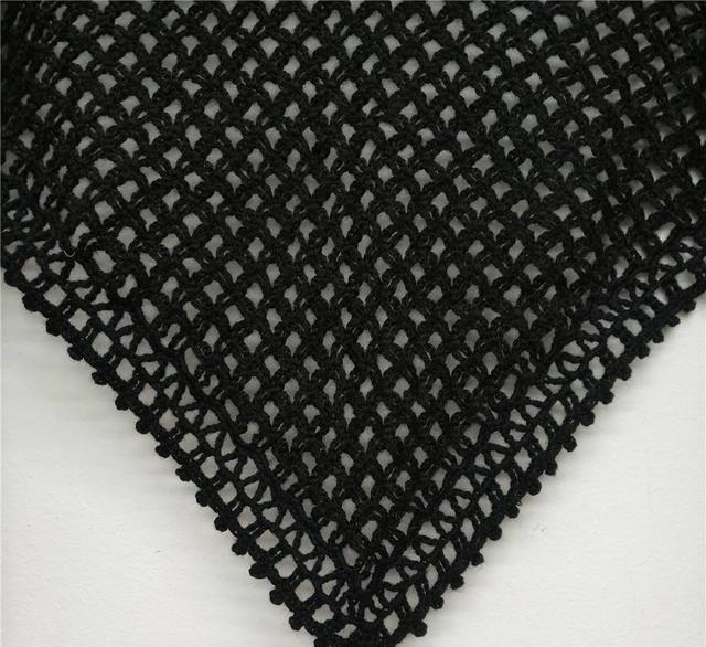 钩针非常简单的普通花样三角披肩效果编织图解教程