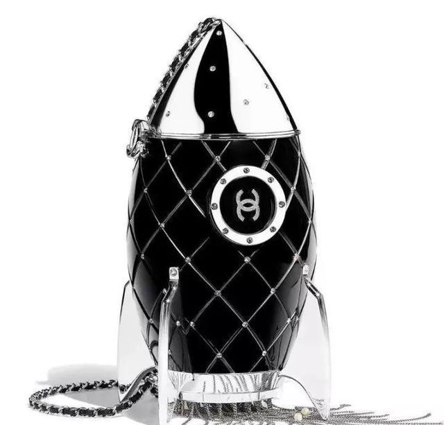 尴尬了:侯耀华给女徒弟买的奢侈包没想到是假货!