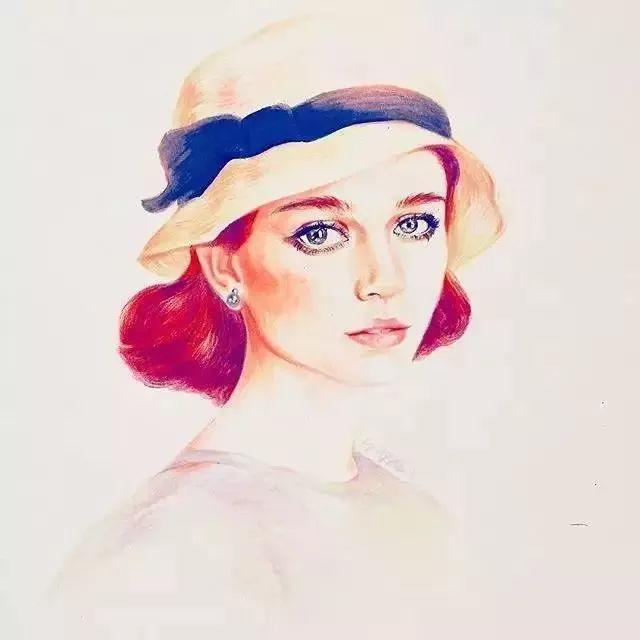 在她的画笔下很灵动 几种红色彩铅的晕染过渡 把头发的体积感和明暗图片
