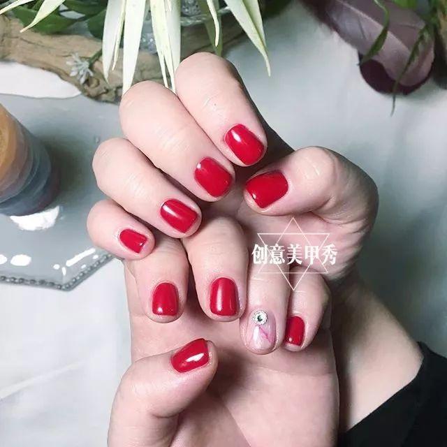 最适合短指甲的新年美甲来了!