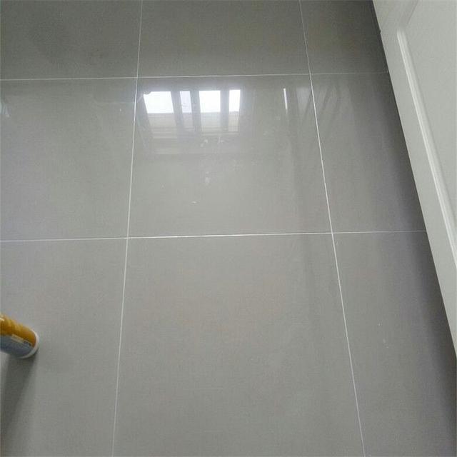 其实以往可能有的人家里装修地板一直都在用填缝剂,而并不知美缝剂
