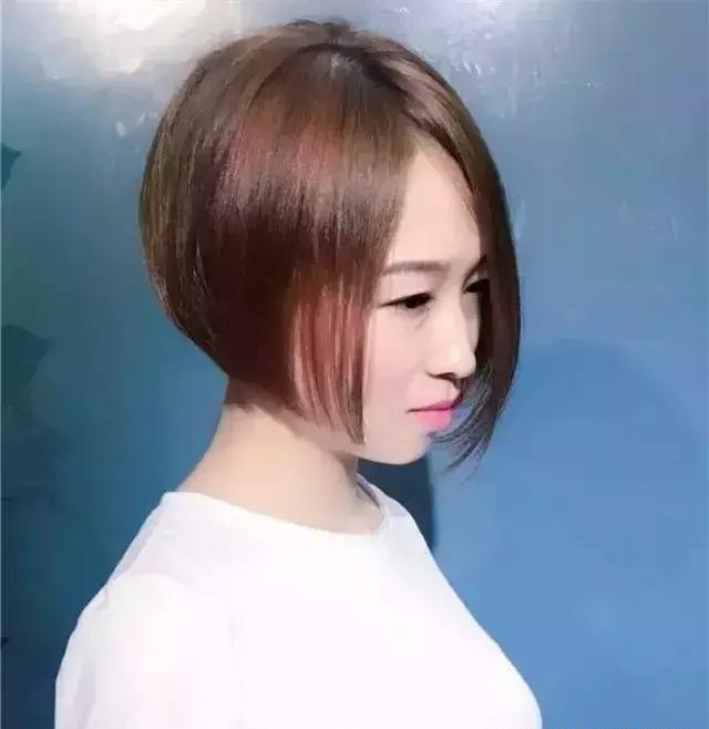 2018年流行的女生发型短发帅气!图片
