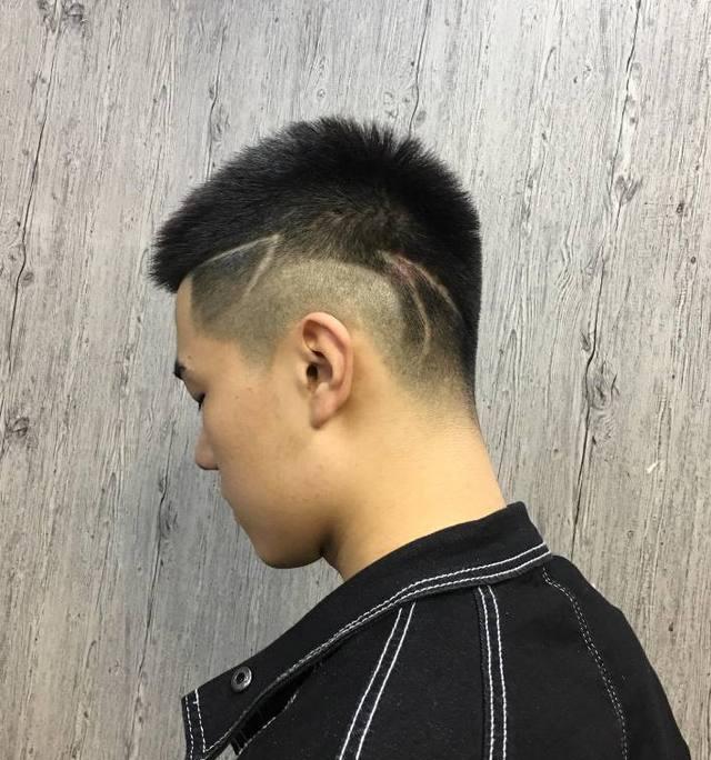2018流行男士多一刀个性超酷时尚发型