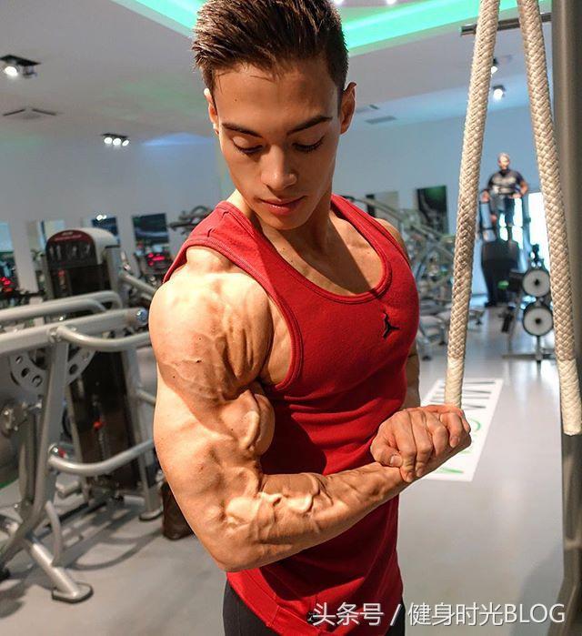22岁食谱小哥myrvold的v食谱计划与身材,好肌肉肌肉不数说100课稿和以内写的读数夸张图片