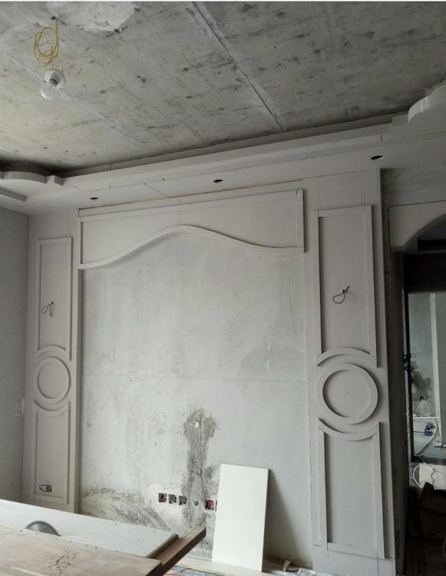 室内装修木工,石膏板吊顶造型,工地实拍效果图