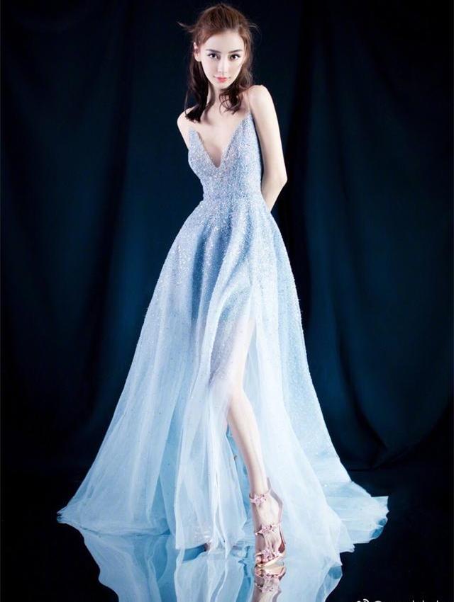 赵丽颖杨颖同穿仙子裙,只相差1岁,呆萌可爱的赵丽颖穿出了公主范