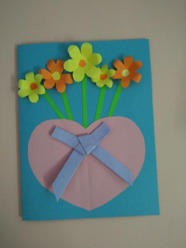 diy创意制作:简单漂亮的花朵新年贺卡图片