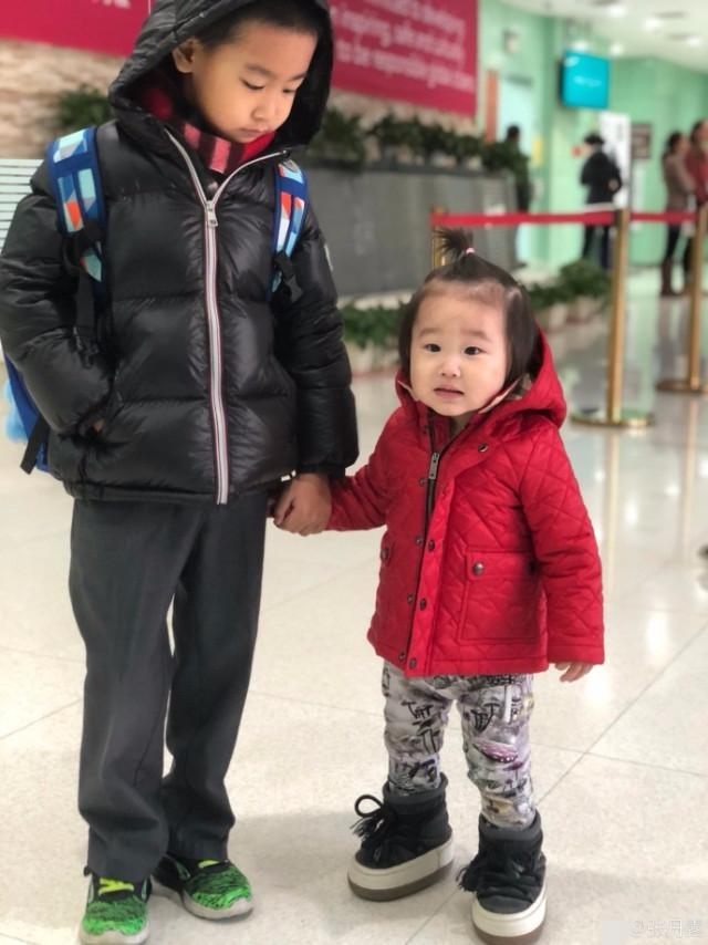 赵文卓妻子儿女好俭省,小女孩子穿儿子几年初旧鞋笑开了花