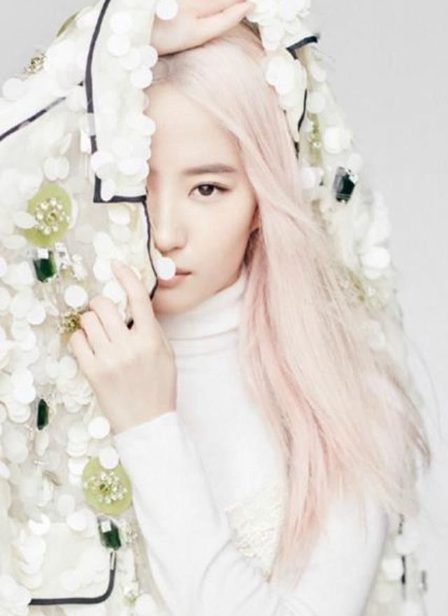 女星的粉色头发,刘亦菲仙气十足,郑爽可爱,杨颖变身叛逆少女?图片