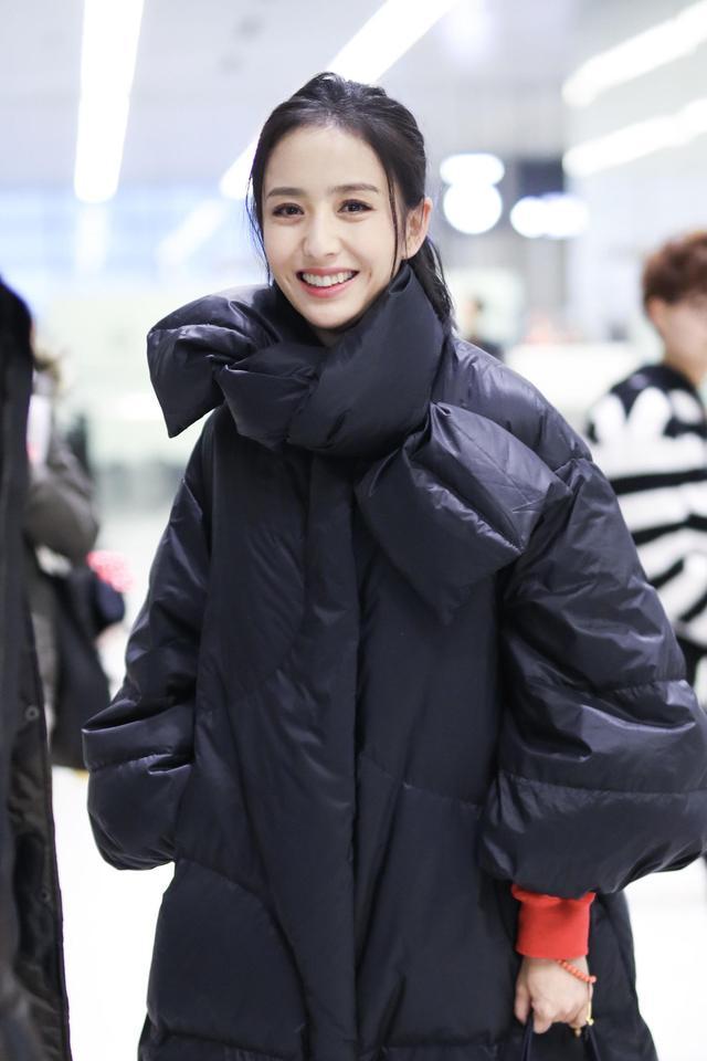 佟丽娅穿一万多羽绒服被说像巨型垃圾袋?看完买家秀回来跟她道歉